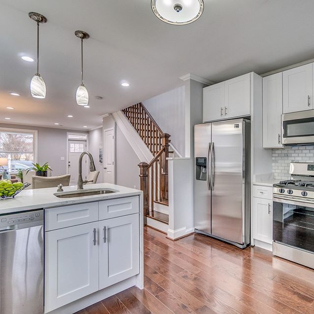 Great looking home in Arlington with incredible kitchen . . . . . #century21 #c21nm #realtor #northernva #northernvirginia #fairfax #home #myclientsloveit #homes #homebuyers #realestateagent #loudoun #springmarket #reston #thesmartermove #homedesign