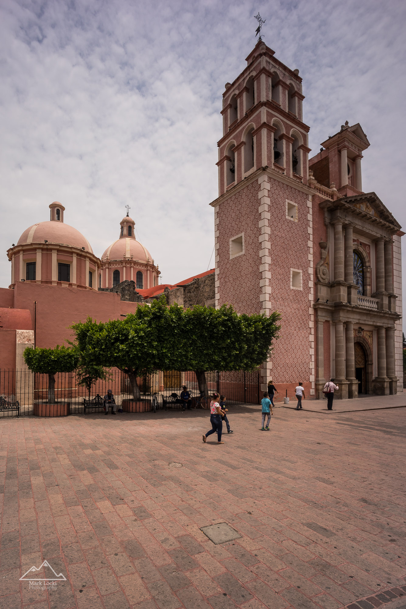 The   Iglesia Santa María de la Asunción in the main square of Tequisquiapan