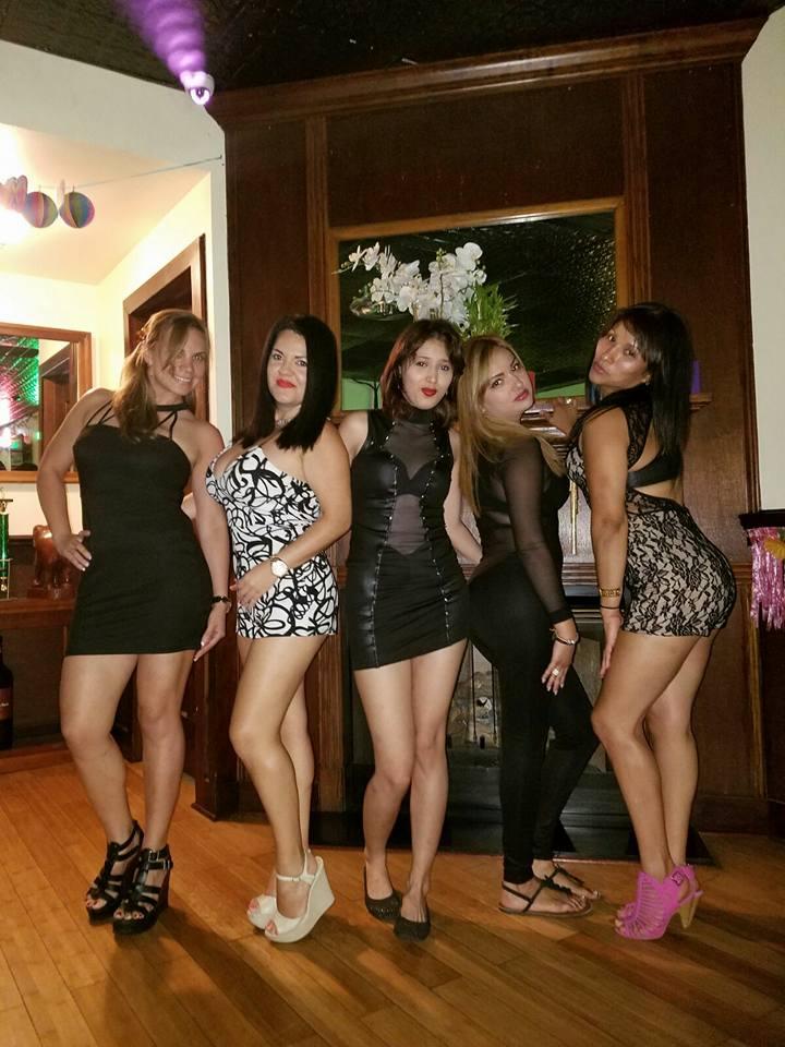 cheersgirls3.jpg