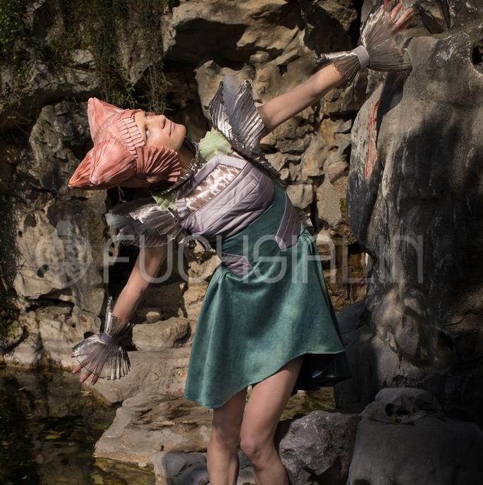 Fuchsia_Lin_artist_water_crystal_dancing_Lansu_garden_web.jpg