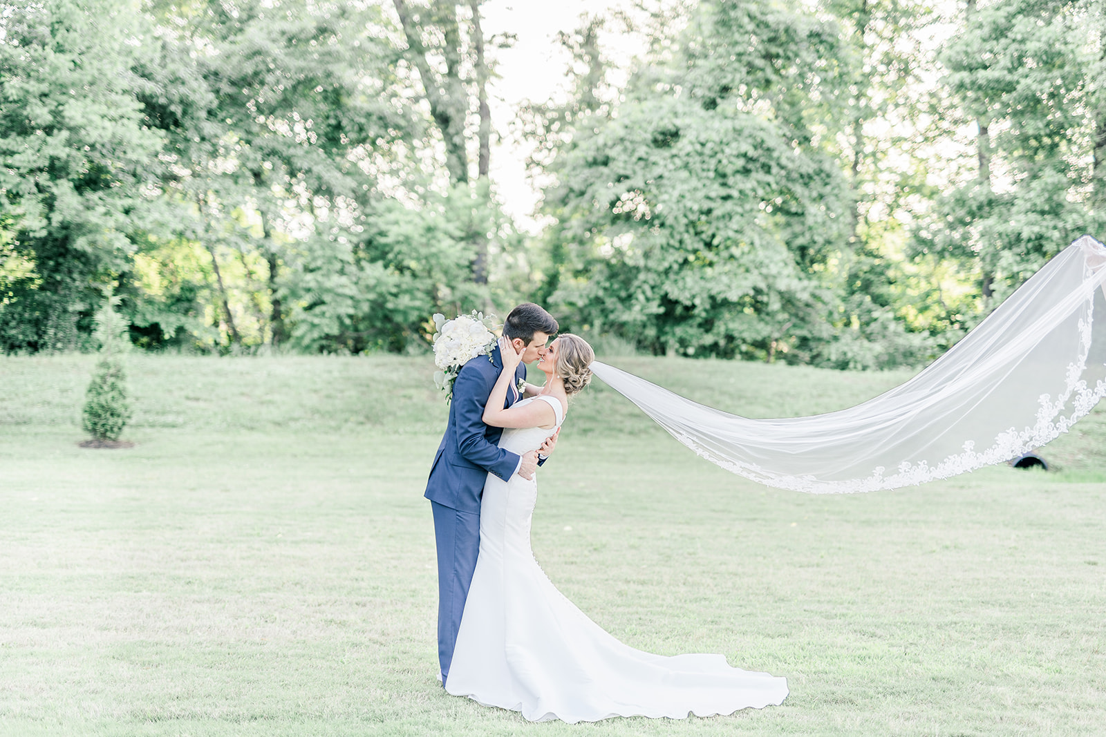 blush_wedding_at_white_oak_farms_medina_tn-00410.jpg