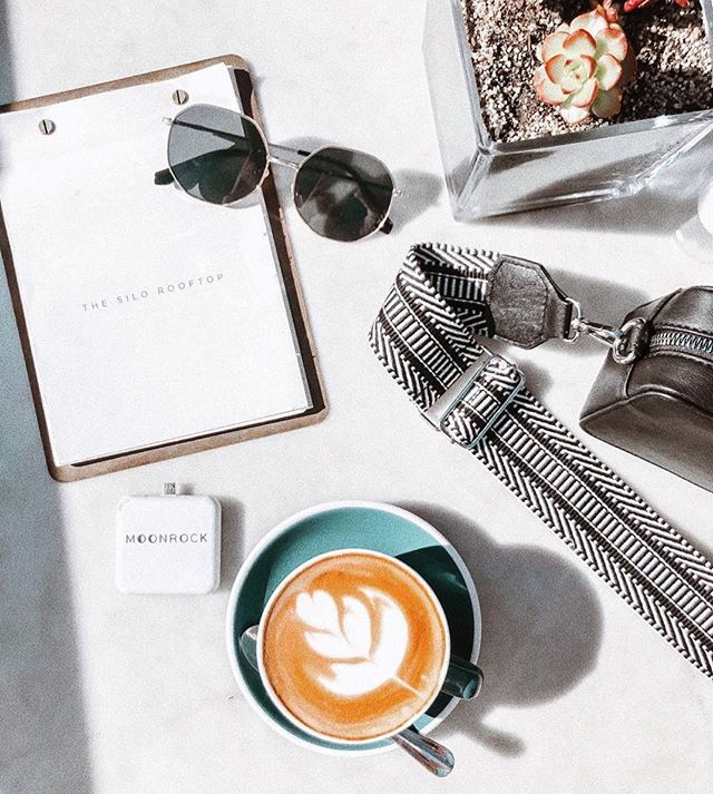 Hope everybody's having a great weekend! We will be announcing some new spots you can rent Moonrocks in Cape Town soon, so stay tuned! ⚡️• • • • • #capetown #picoftheday #charged #charger #emergency #coffee #fashion #happy #winter #bliss #lekker #local #startup #fun #style #glasses #mothercity