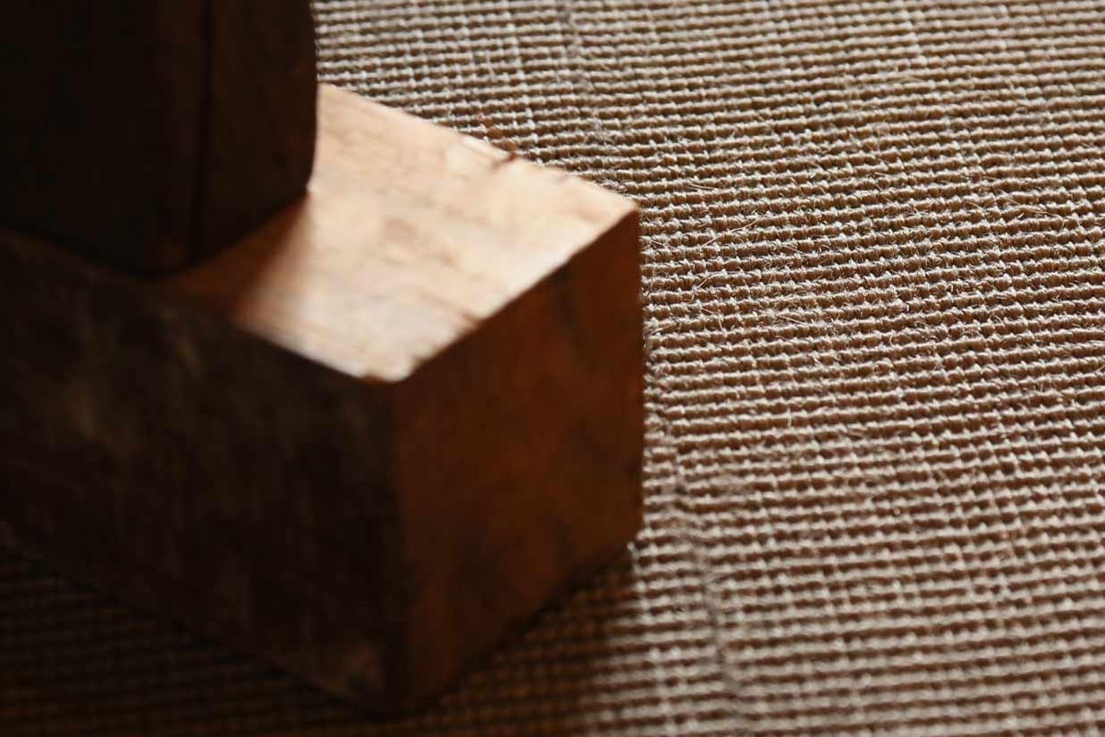 Fine Bouclé - Finvävd, slitstark naturfiber-matta i 100 % Sisal.Vi lagerhåller sex olika nyanser ur denna kollektion.
