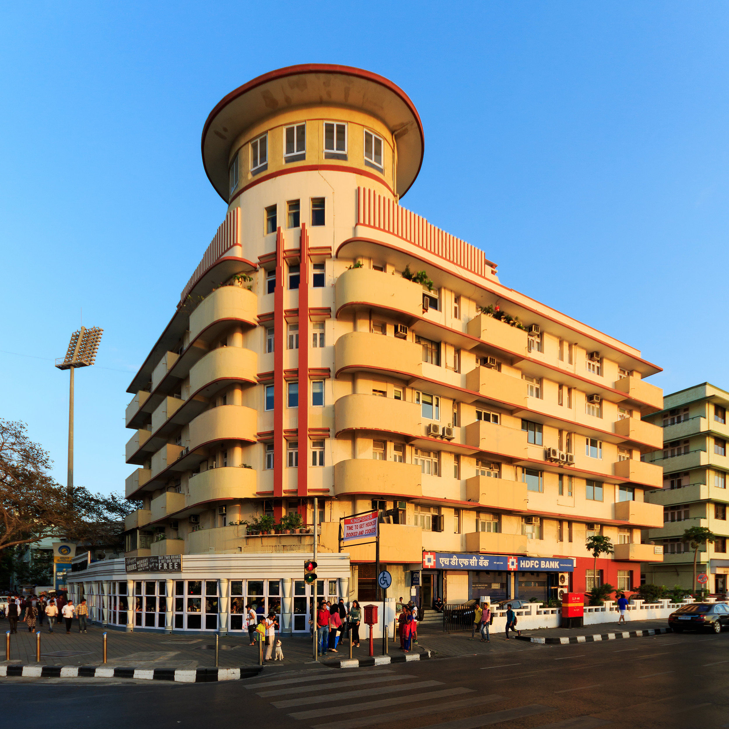 "Original picture referenced by Unnikrishna    "" Residential building at Marine Drive in Mumbai, India""  ©  A.Savin, Wikimedia Commons"