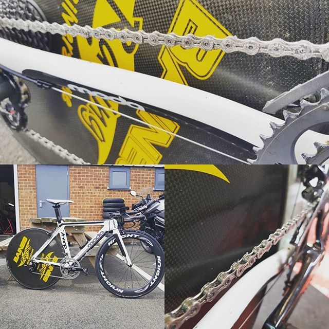 1x dirty fast TT bike for tour of cambs chrono tomorrow. We've got a few tricks up our sleeves to make you bike go faster for not a great deal of out lay. We've sorted a #wattshop #dirtyfast treated waxed chain, ceramic jockey wheels and latex tubes to increase drive train efficiency and minimise rolling resistance. #dirtyaero #dirtyfast #bainesracing #pedalsandpistons #marginalgains