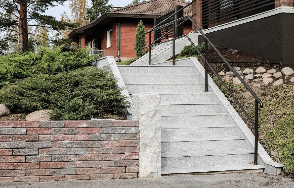Graniitti-portaat
