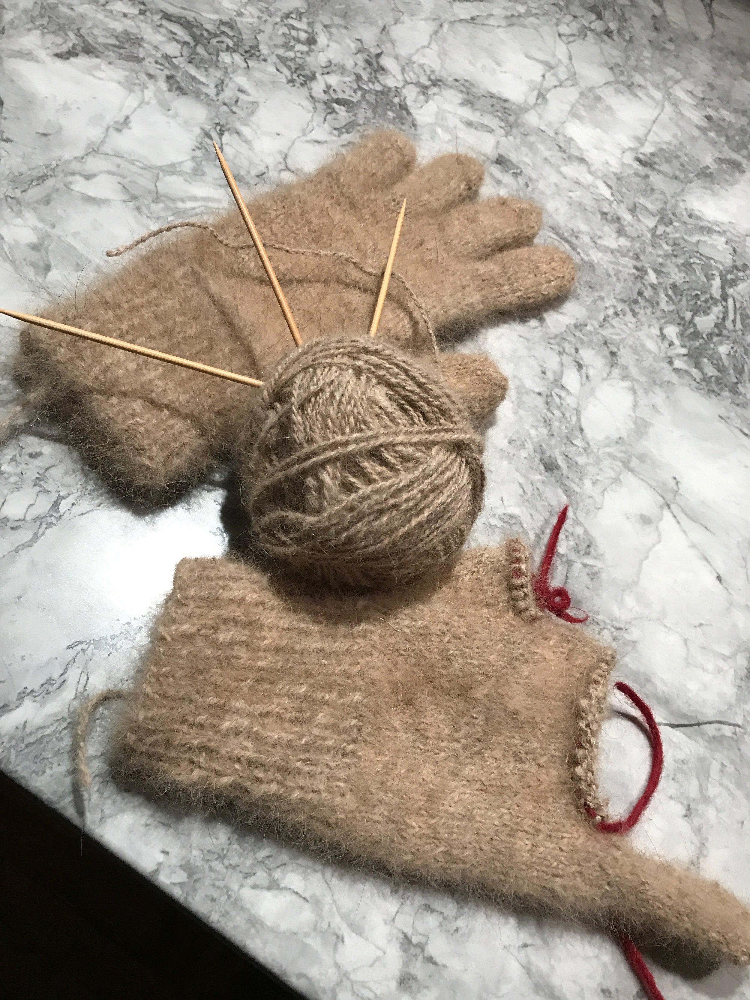 Terv-wool gloves:  in medias res