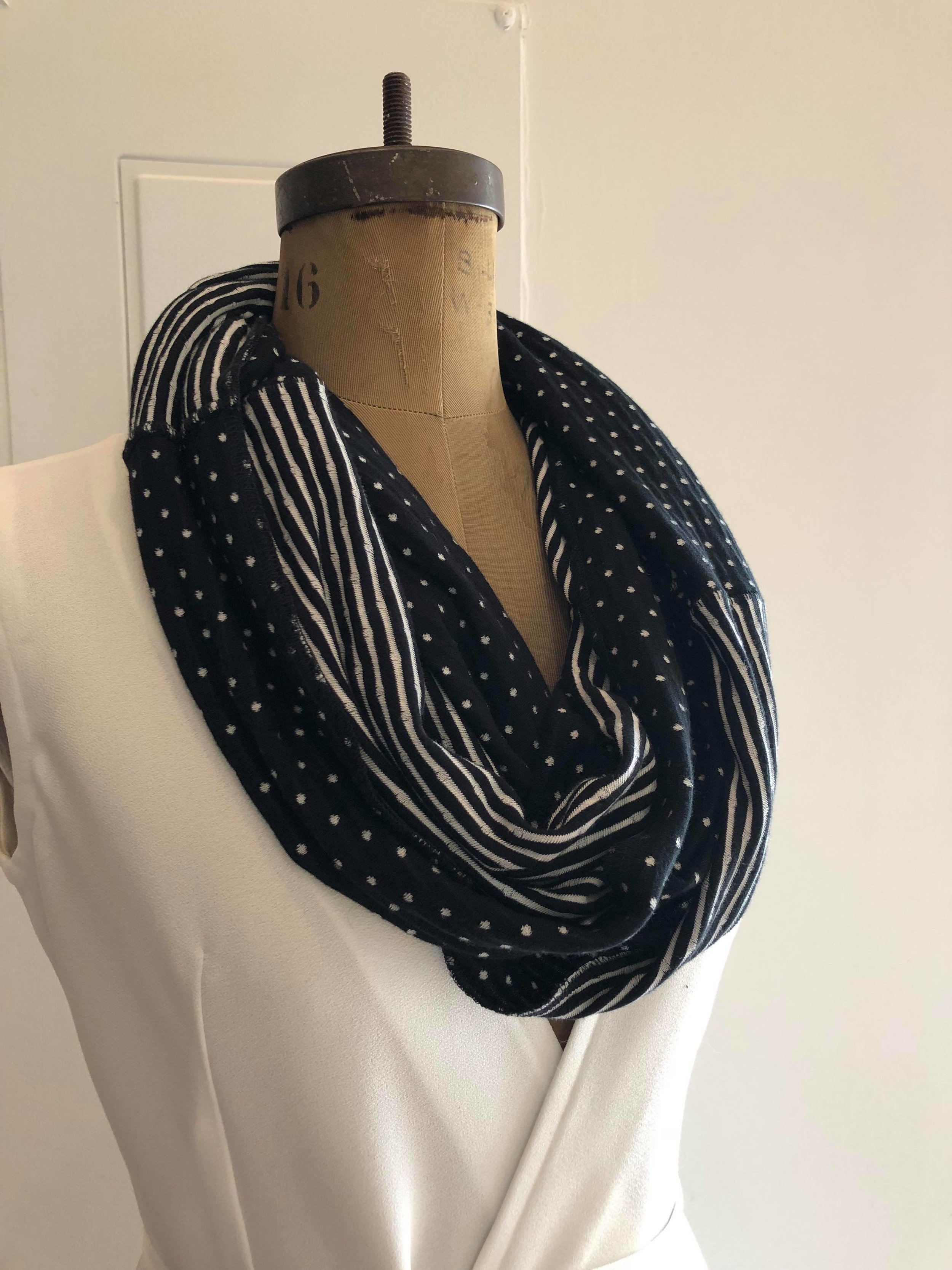Black and White Scarf.jpg