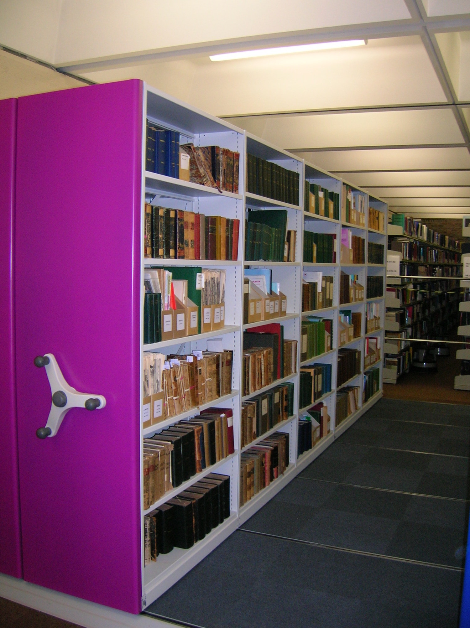 Library Shelving And Furniture12.JPG