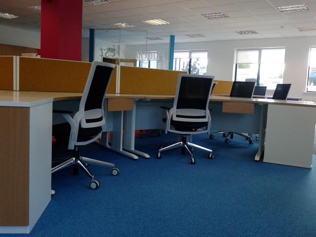 Office Furniture5.jpg