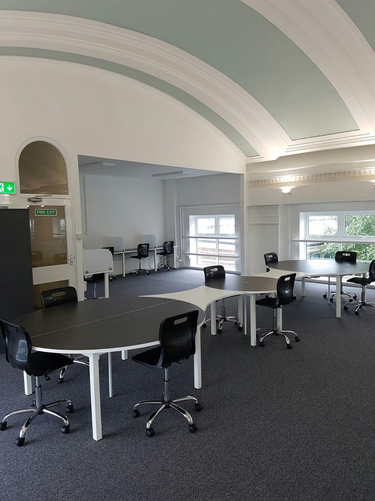 Office Furniture9.jpg