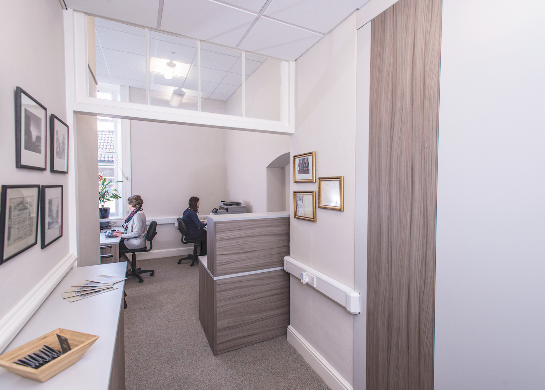 Office Furniture18.jpg