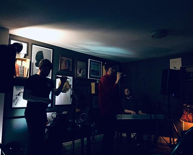 Us as a Caravaggio last week in Galway at @blackgategalway Beautiful room, beautiful gig. Thanks again to @citogrecords and @homebeatmusic for having us down and for everyone who came. Can't wait to be back. ❤️ #irishmusic #ireland #galway #pintsinhughes's #caravaggio