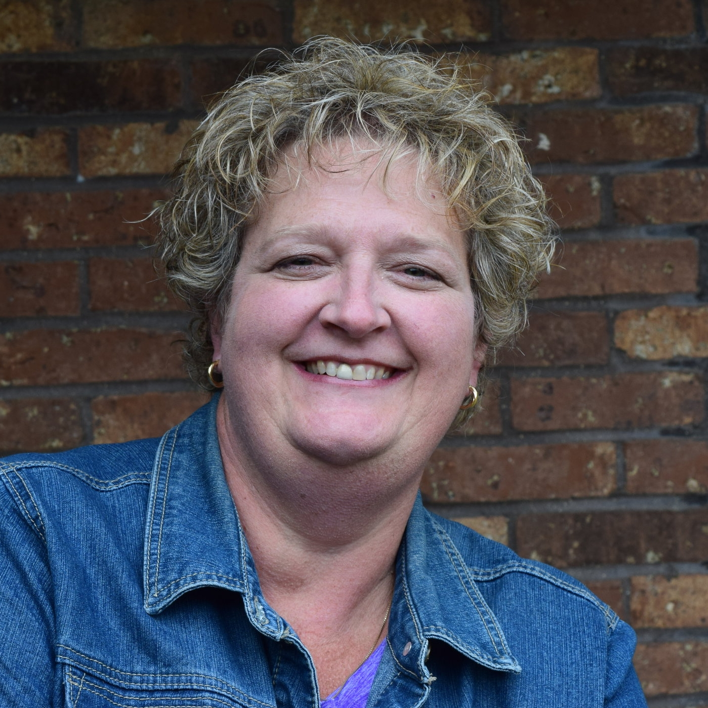PASTOR LAURIE DOUBLEDAY-JOHNSON   Student Ministries