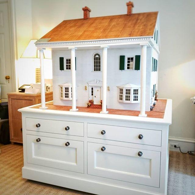We love creating great useful design @natbnyc #interiordesign #millwork #kitchendesign #customfurniture #dresser #livingroomdecor #designbuild #madetoorder #bespokedesign #interiorarchitecture #bedroomdecor #upbeatcustomdesigns #woodworking #woodwork #nycdesigner #furnituredesign #designer #brooklyn #madeinbrooklyn #luxuryliving #nycfashion #nycdesign #interiordesigner #manhattan #nycdesign #madeinny #madeinnyc