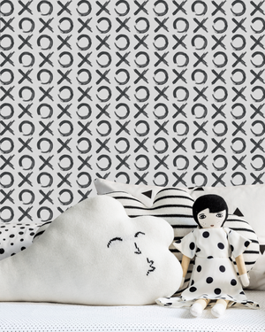 xo-love-wall-paper-doll-black-white.png