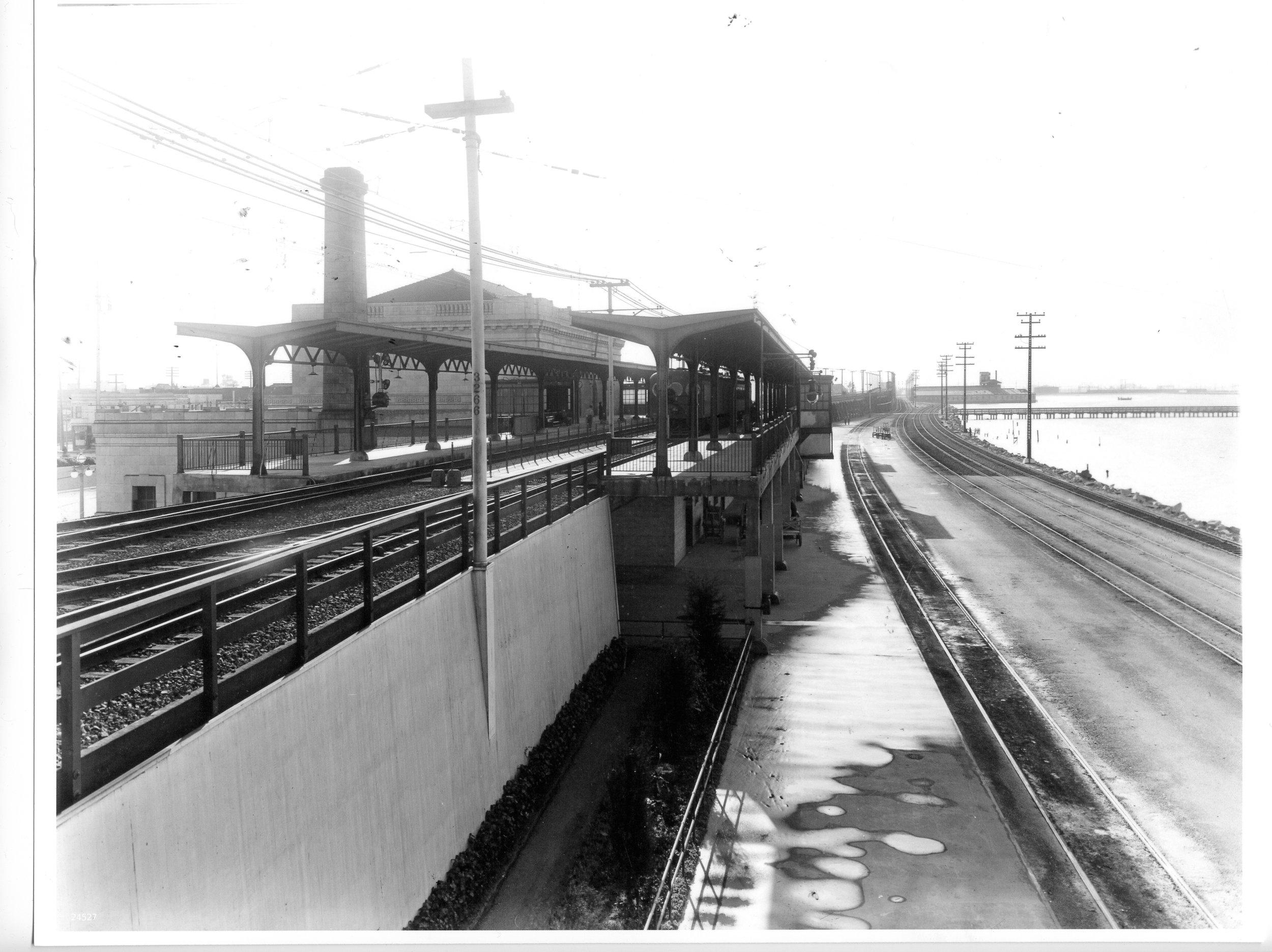 4tracks_looking south 1933.jpg