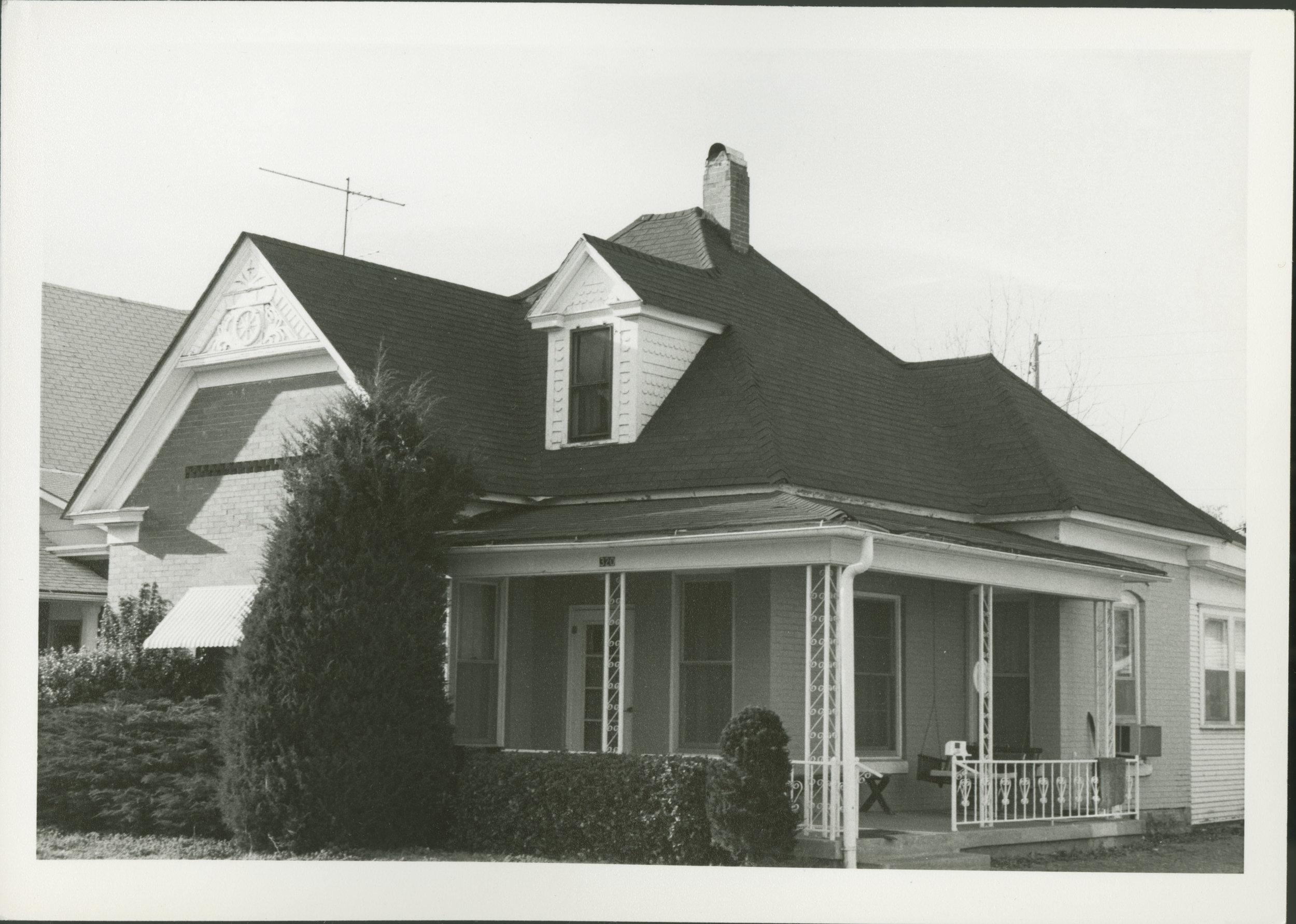 Brooks home Main Street Cherryvale KS.jpg