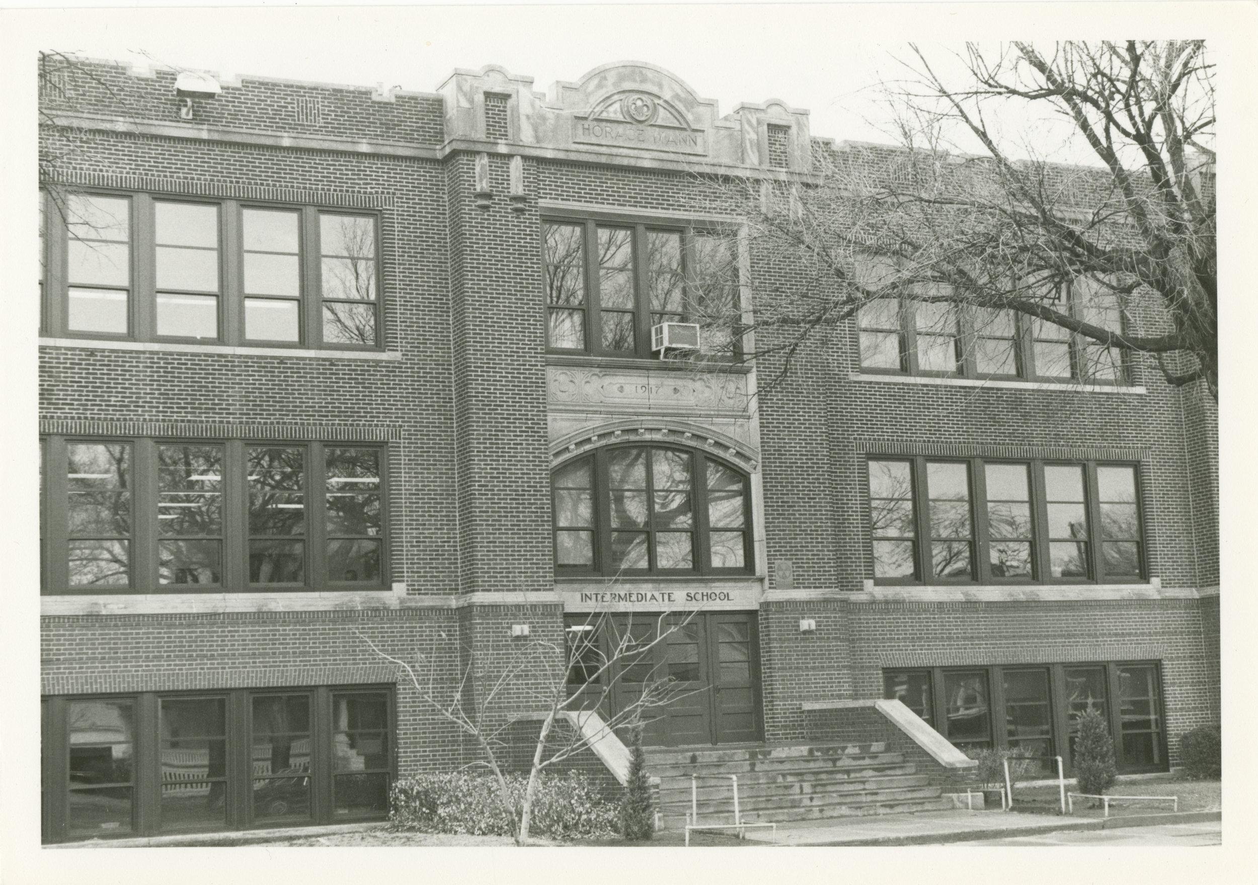 Horace Mann Intermediate school Wichita KS.jpg