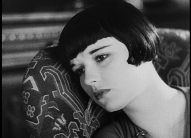Louise Brooks in  Prix de Beaute