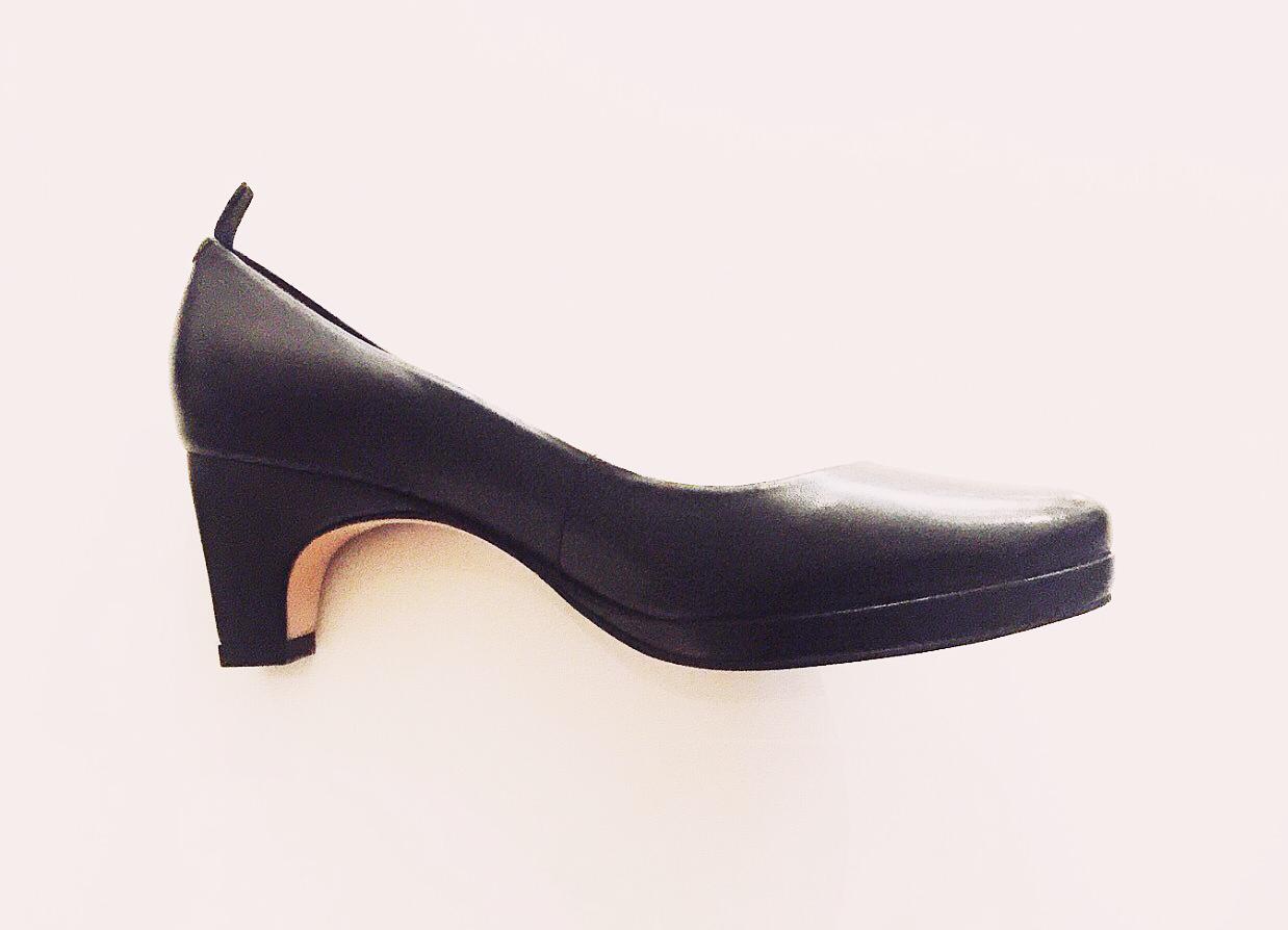 dr-Liza-sneaker pump