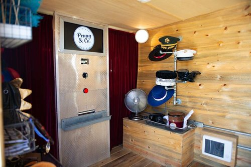 Hugo,+Northern+California+Vintage+Camper+Photo+Booth.jpg