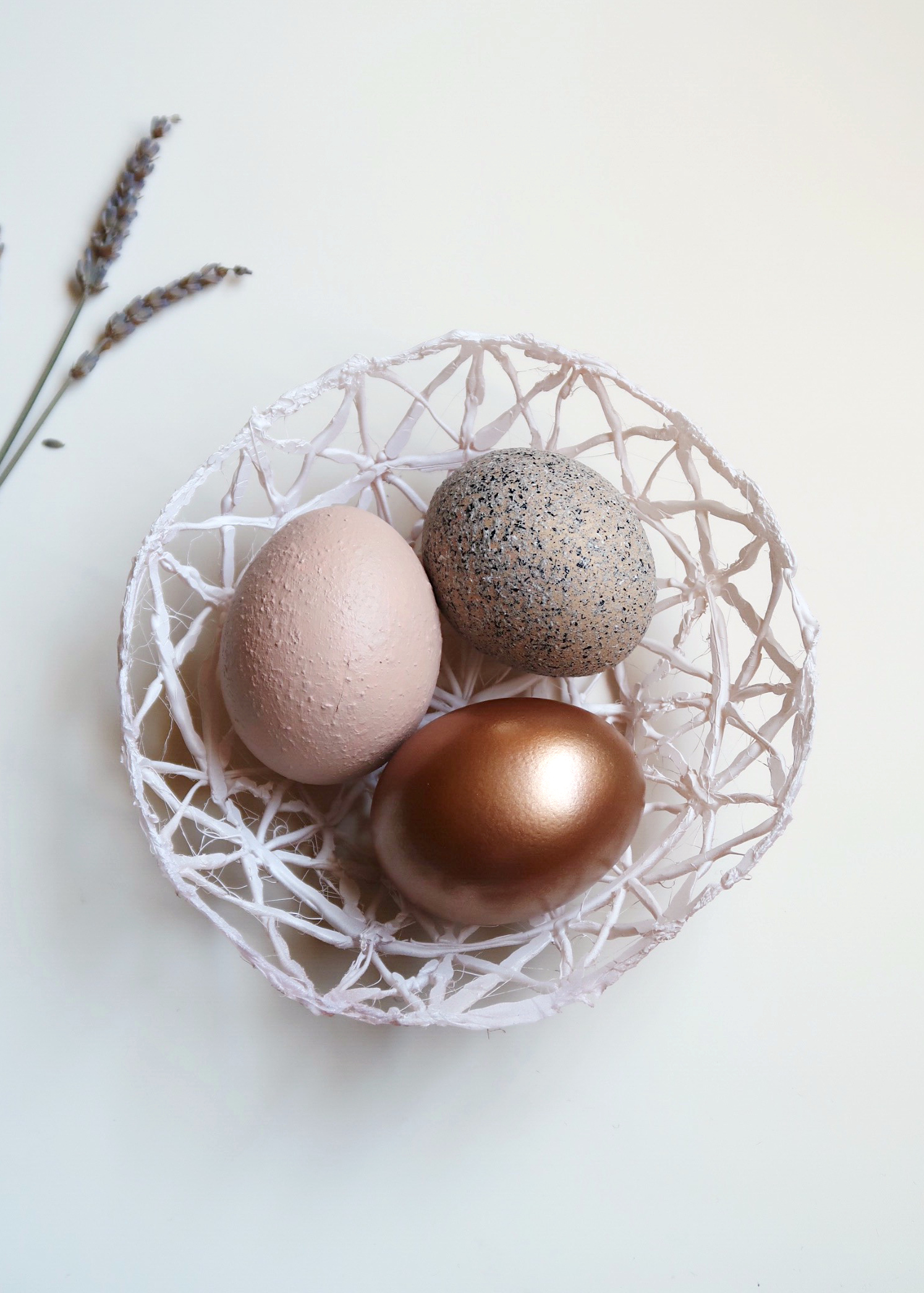 DIY Easter Egg Basket by Isoscella