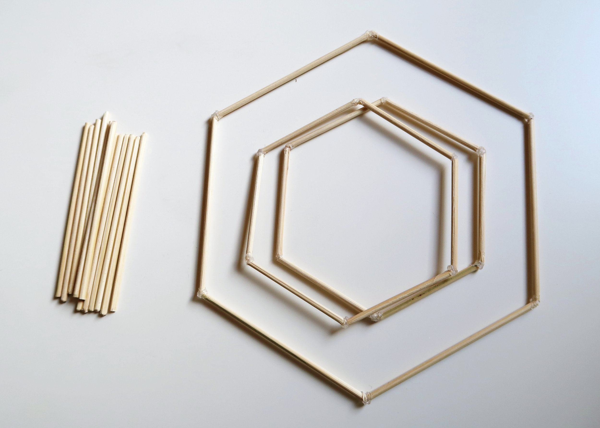 5. - At this point you should have one large hexagon, two smaller hexagons, one miniature hexagon and twelve 10cm skewers. If you do, you're ready to assemble!