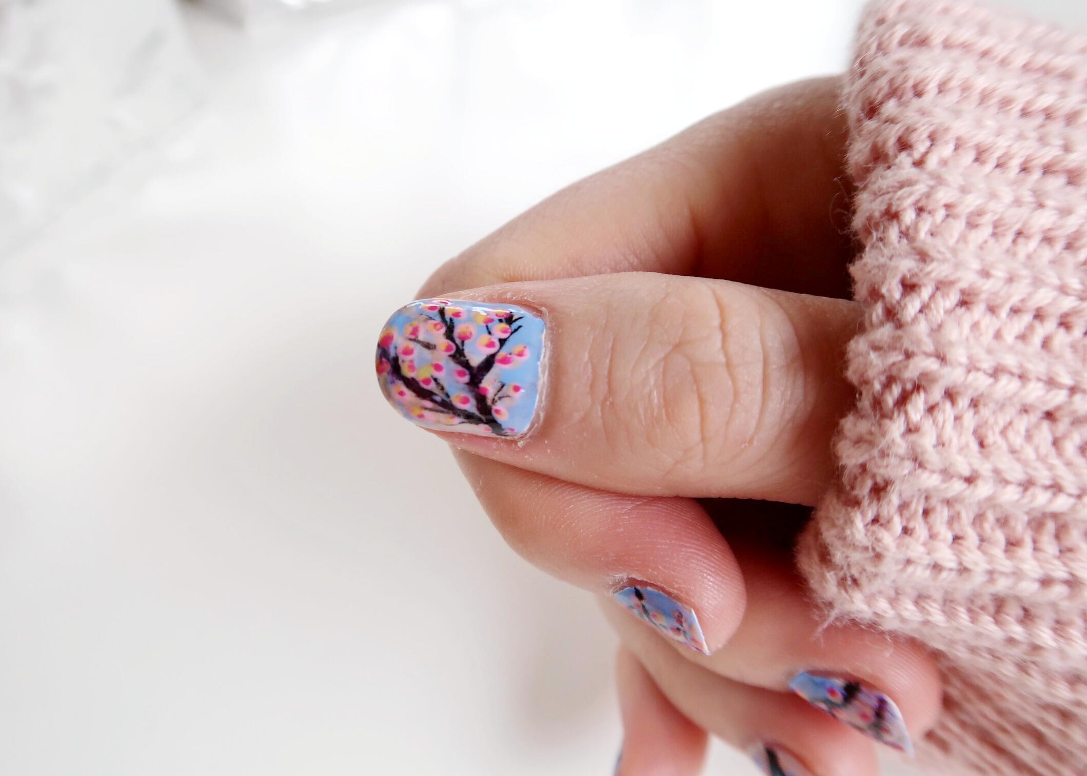 DIY Blossom Spring Nail Art by Isoscella