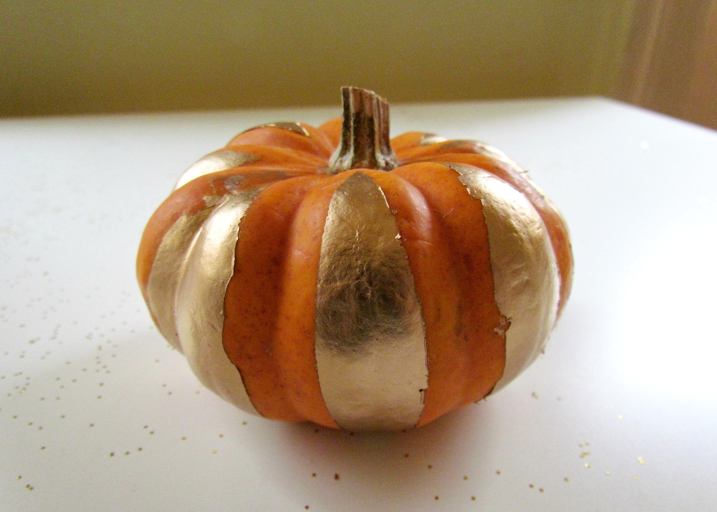 DIY Spray Painted Pumpkins by Isoscella