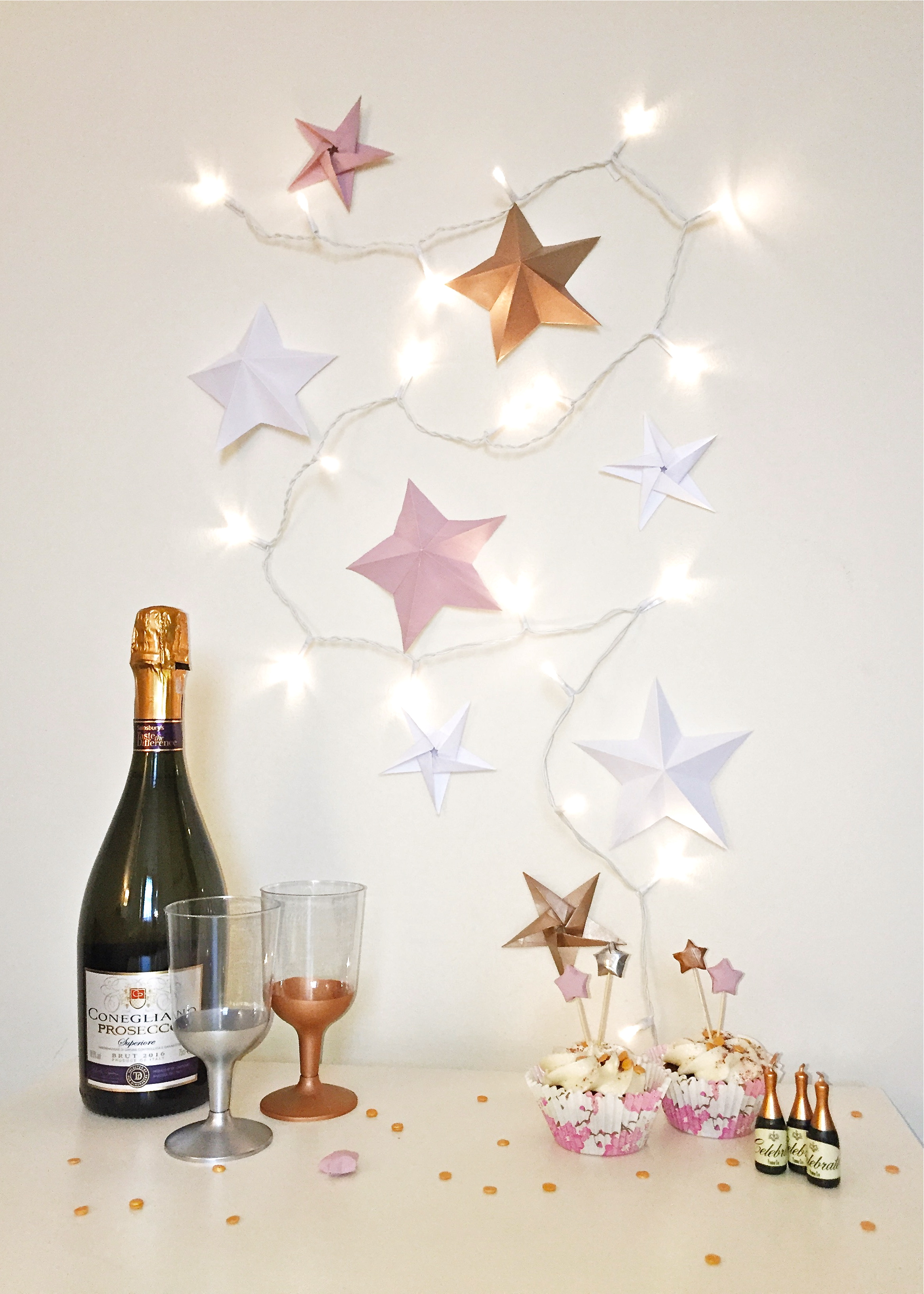 5 Minute DIY - Metal-dipped Party Glasses by Isoscella