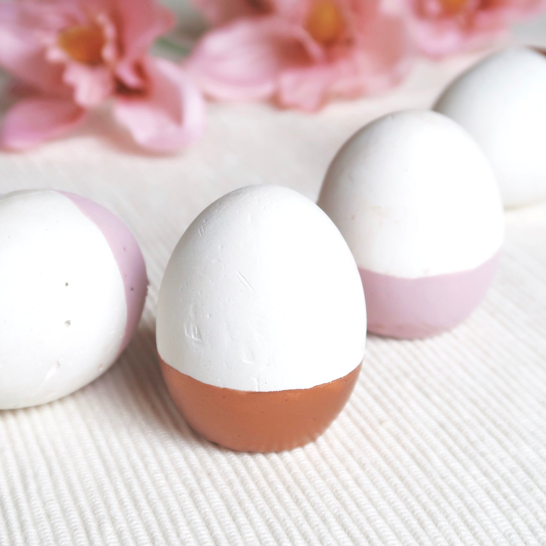 4. - DIY Plaster Easter Egg Decor