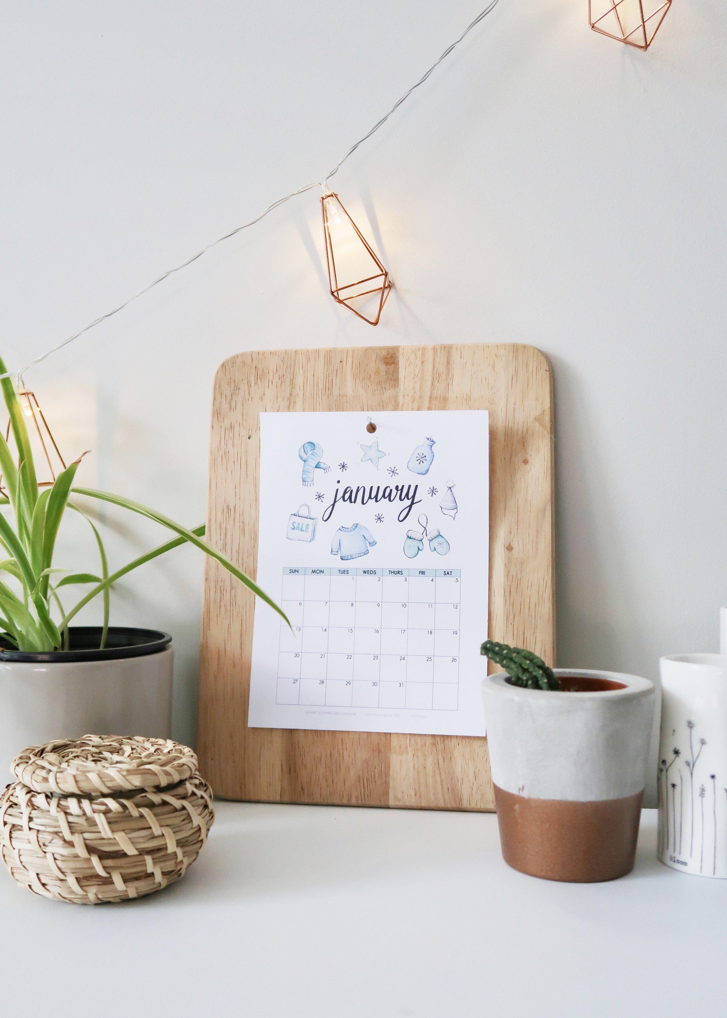 New Illustrated January 2019 Calendar (+ Free Printable) by Isoscella