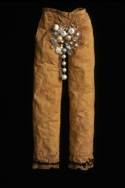 Schmuck  antique textile, dyed, pigment, beads 2002