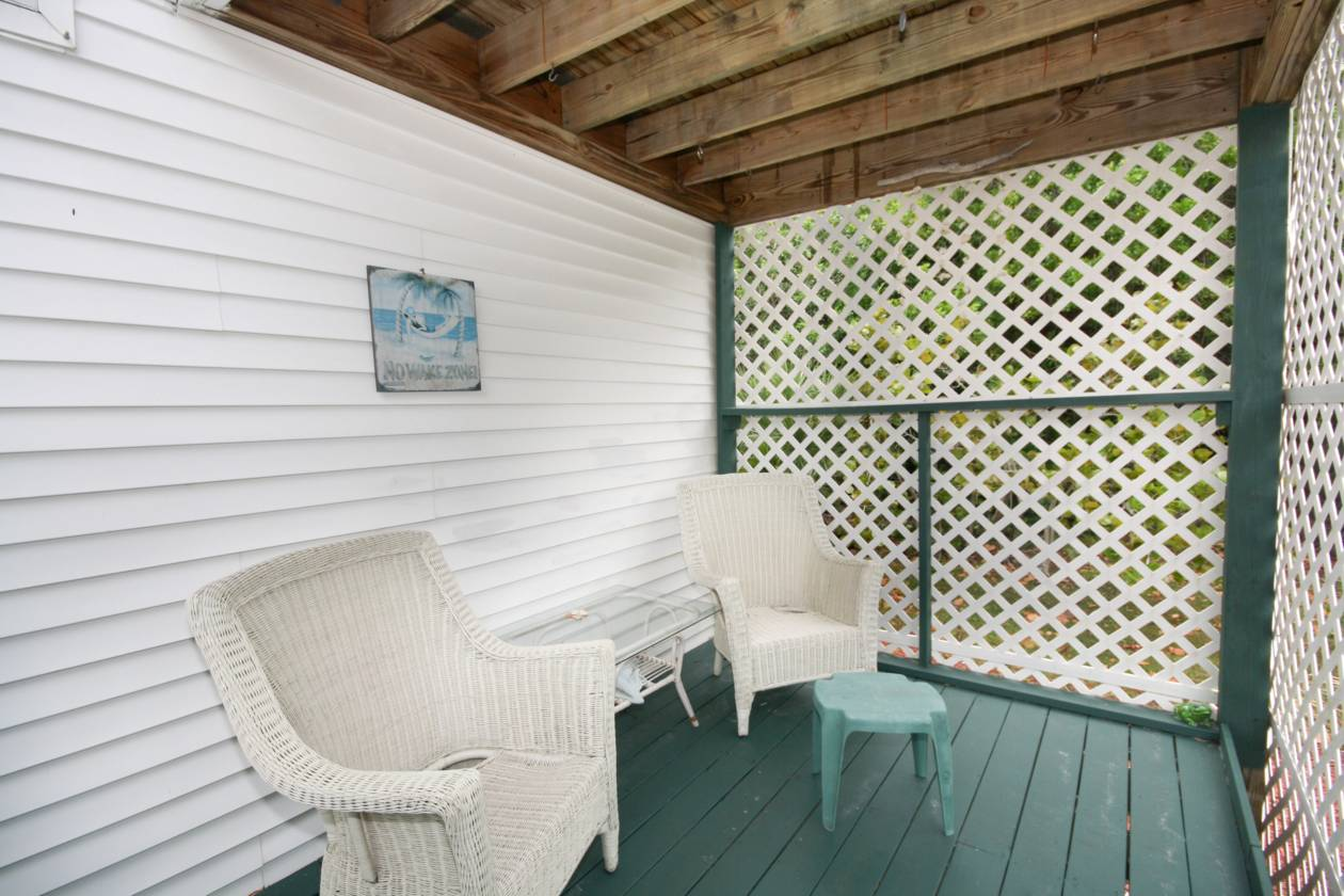 Entry Porch.jpg