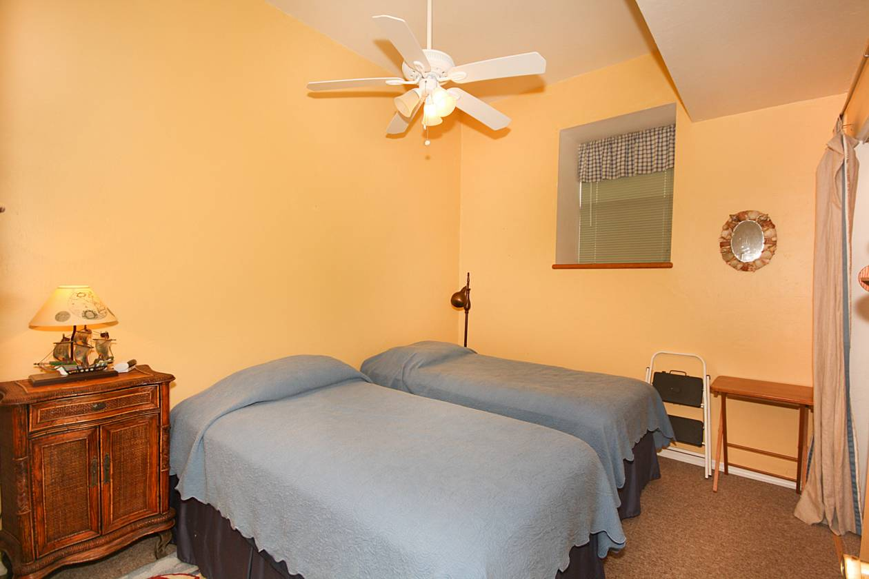 Second Unit Bedroom 2.jpg