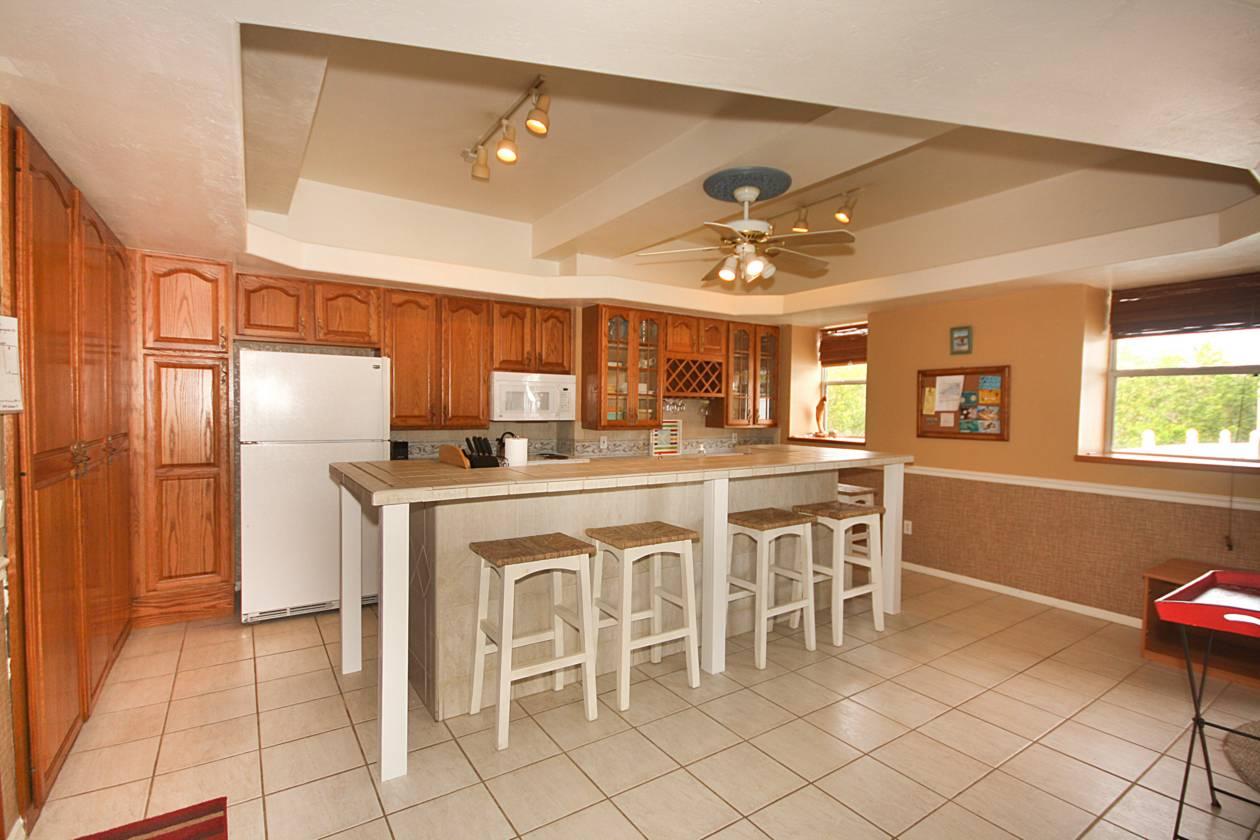 Second Unit Kitchen(2).jpg