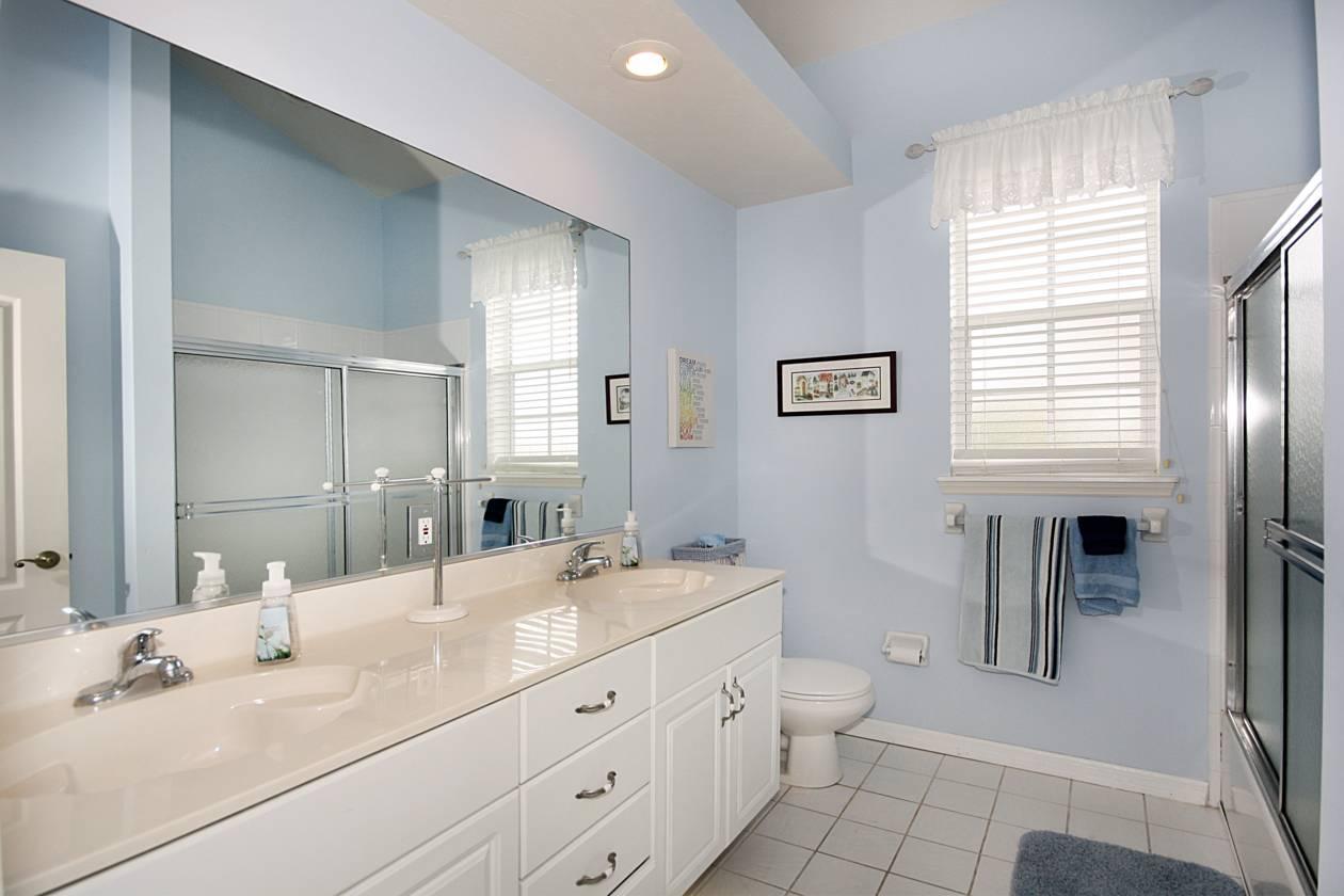 Unit one Bathroom Two.jpg