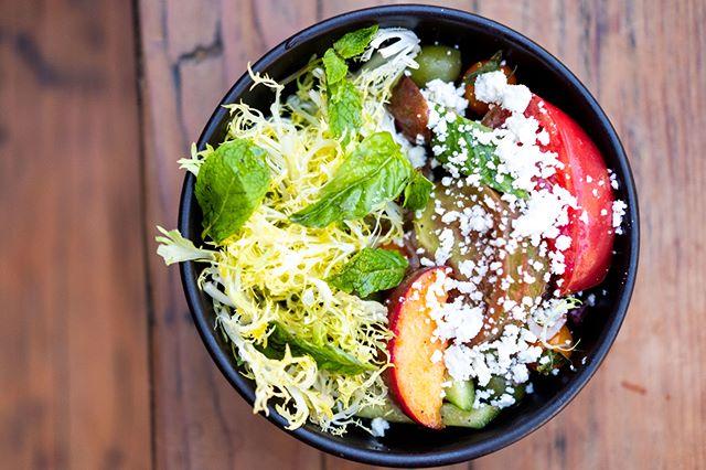 Summer in a bowl. Those juicy peaches, heirloom tomatoes, frisee and all that good stuff. #BrewstersBeerGarden . . . #salad #summersalad #peach #summerveg #summerproduce #summervibes #saladlife #eatclean #cleaneats #healthyvibes #healthy #eeeeeats #Beautifulcuisines #eater #bayareabites #bayareaeats #peachy #produce #Localproduce #eatlocal #ediblecommunities #ediblemarinwc #eatlocal #winecountryeats #winecountry #petaluma #downtownpetaluma