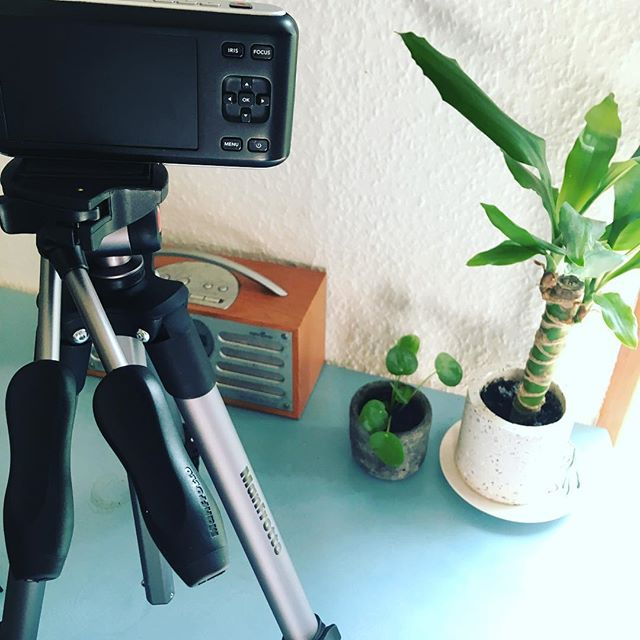 Making sure everything is set to go for tonight's #ukawp Mix and Mingle @stylisheventslondon @theukawp See you tonight!  If you want to see which events you can catch me at then take a look at my website! (Link in bio)  #videographer #weddingvideography