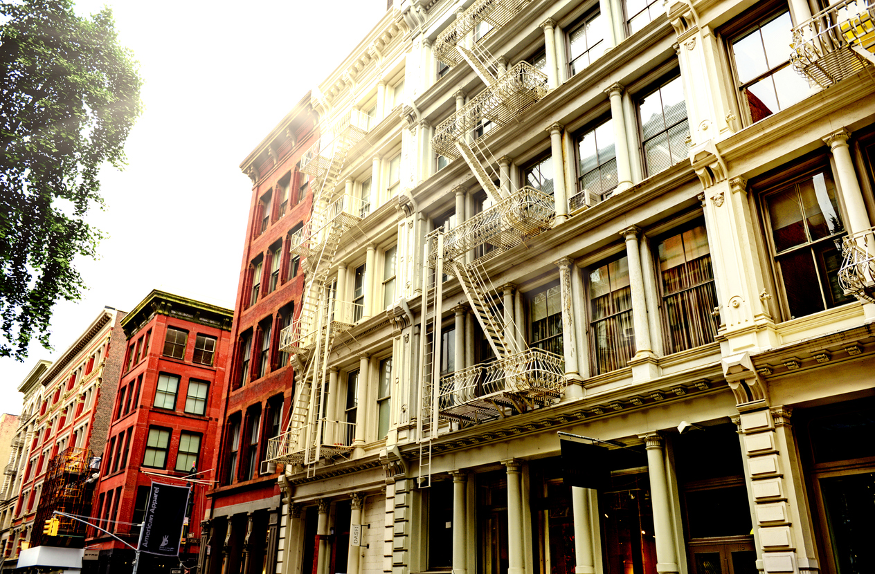 Why NYC Property Managers Should Invest in Window Service