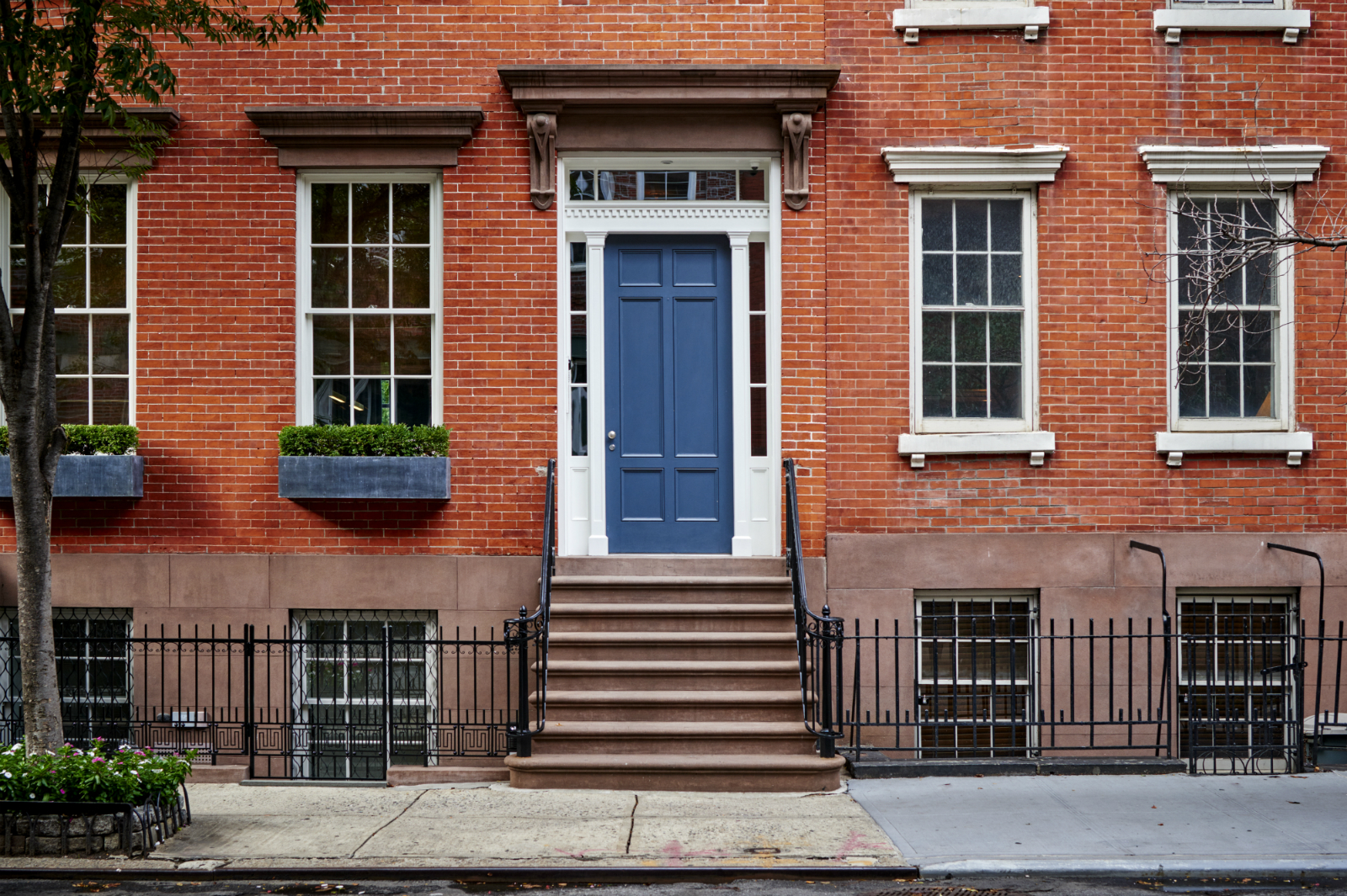 Pros and Cons of Grid Windows in Midtown