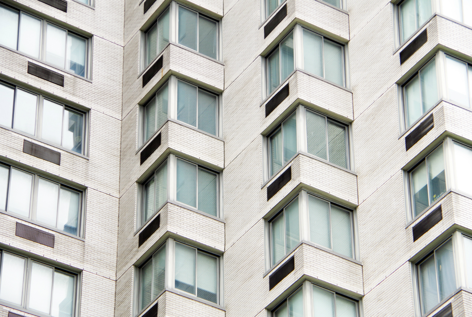 What are the Benefits of Vinyl Windows in NYC?