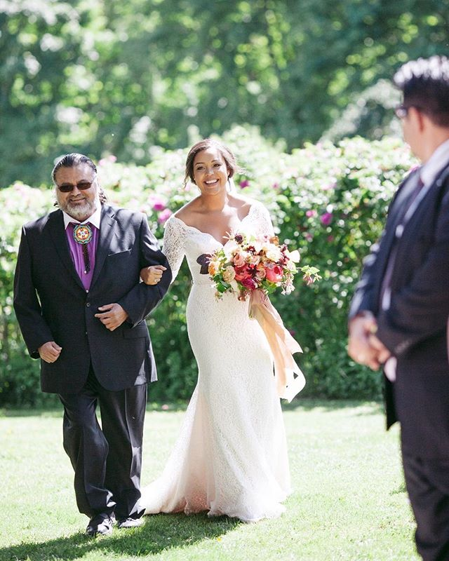 I just realized it's been a while since we posted and so, how about for now we just spend some time obsessing over how beautiful this bride was. From a gorgeous June day with our friends from @detailsbc @bashspecialty @conscioushair @mel_baird_makeup @thewhitepeony @thornandthistleflowers @ninebarkfarm @earthcandyfarm @silkandwillow and what a shot from 📸 @amerisphoto