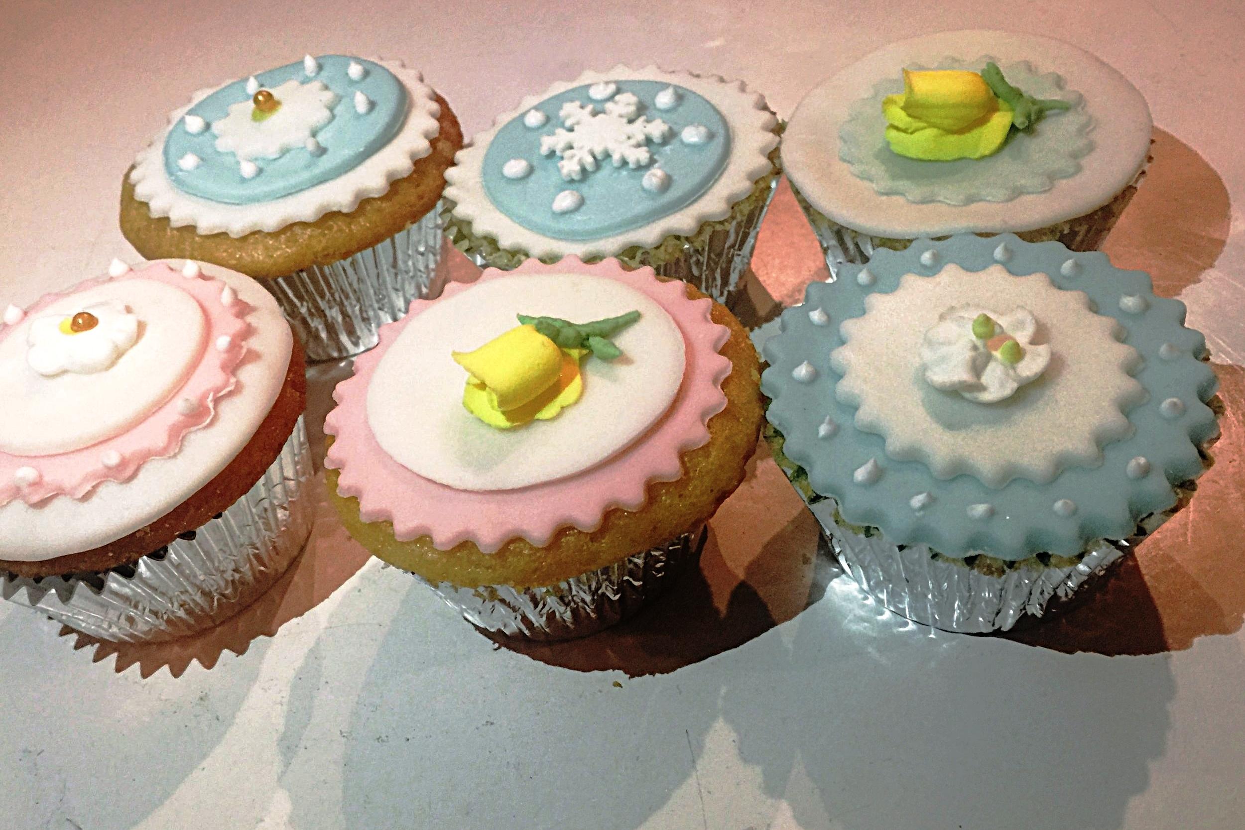 Cupcakes (min.12)  $3.50ea