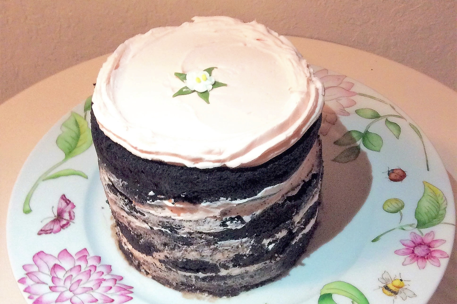 Double Chocolate Cake 12 pers $65