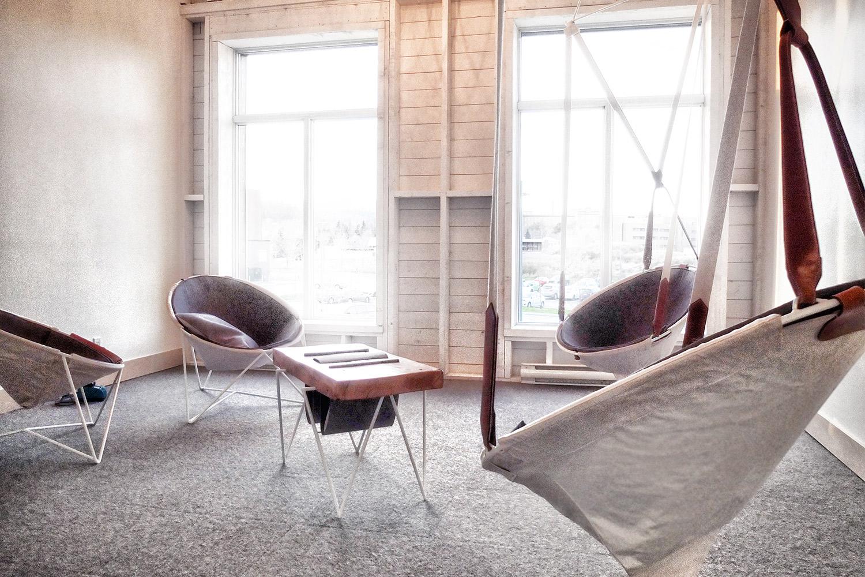 Collection d'objets originaux et exclusifs développée pour l'Hôtel La Ferme, dans Charlevoix. Renouveller le cadre champêtre par une touche moderne.