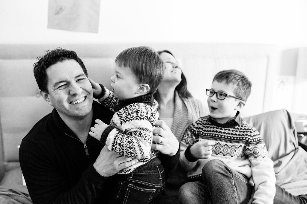 Candid & Fun Family photos - Oakland County photographer