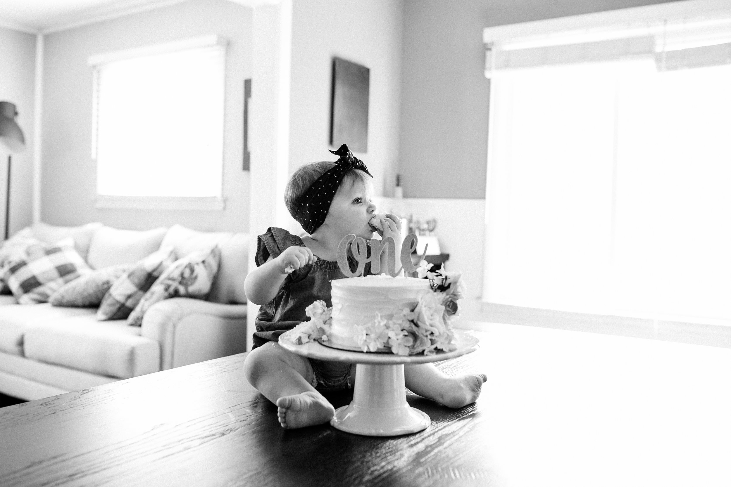 photographer that does cake smash photos