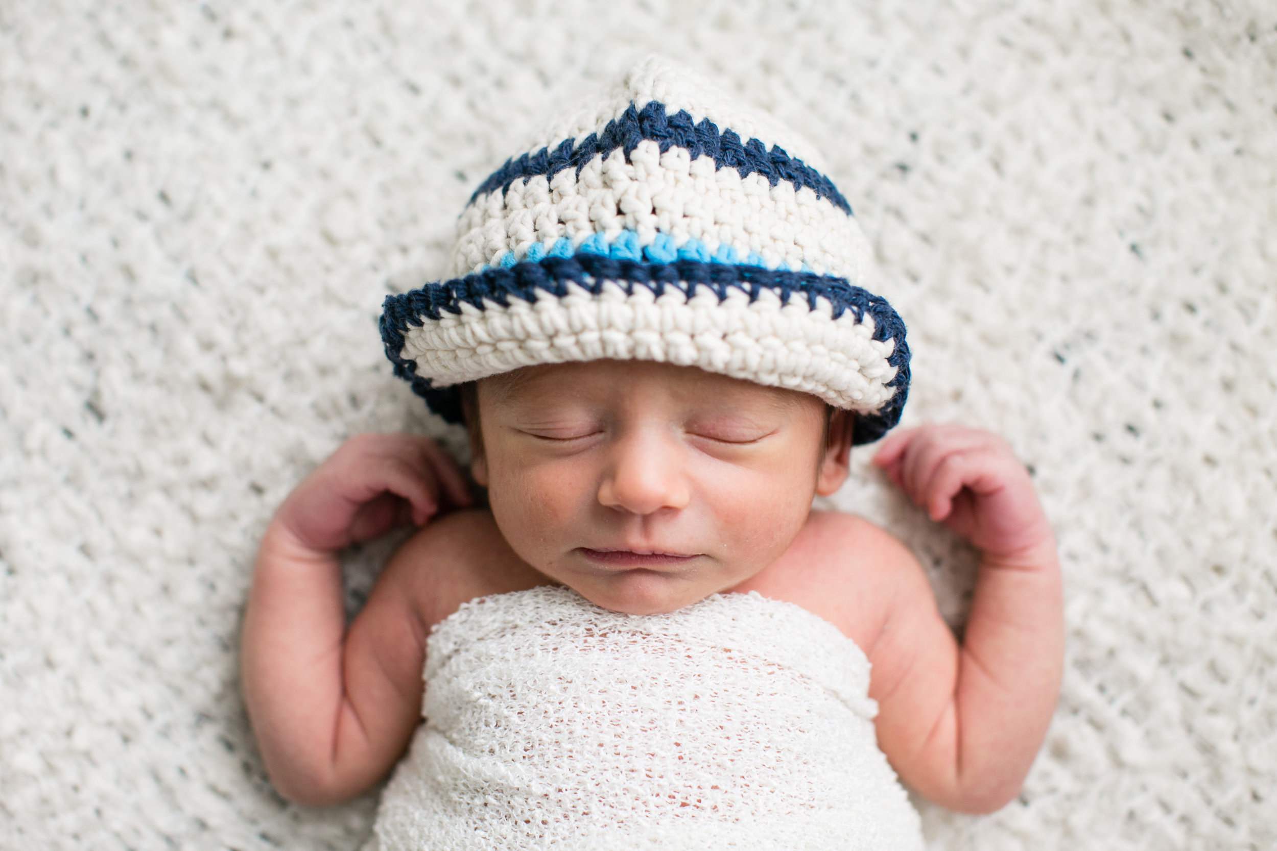 Newborn photographer in Rochester Hills